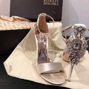 NWT Badgley Mischka Crystal Heels 🌟🌟